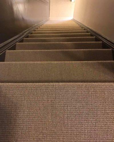 Trapbekleding met tapijt